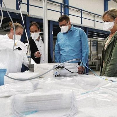 Junker-Filter starts the production of face masks.
